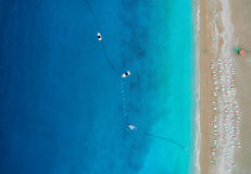 Vue aérienne des bateaux en mer Méditerranée dans Oludeniz, Turquie Photographie stock libre de droits
