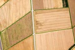 Vue aérienne des champs bruns image libre de droits