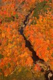 Vue aérienne des couleurs changeantes d'automne de la Nouvelle Angleterre Photographie stock