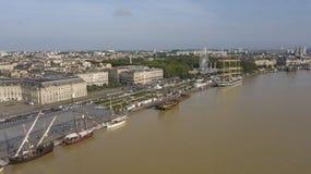 Vue aérienne des pignons d'olds sur le départ au port du Bordeaux photo stock