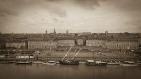 Vue aérienne des pignons d'olds sur le départ au port du Bordeaux photo libre de droits