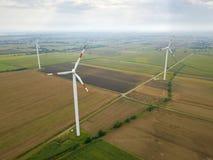 Vue aérienne des turbines de vent de production d'énergie, Pologne Photos libres de droits
