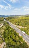 Vue aérienne des villages et du dei multiples Fiori - A10 Ligurie Italie de croisement de route de ruelle de Forest Hills Autostr Images libres de droits