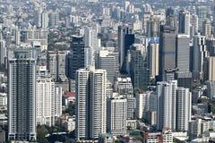 Vue aérienne du bâtiment moderne contemporain dans le paysage urbain de Bangkok Photographie stock libre de droits