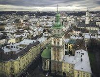 Vue aérienne du centre historique de Lviv Tir avec le dron Images stock