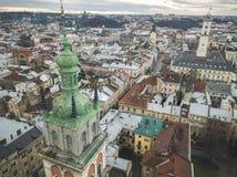 Vue aérienne du centre historique de Lviv Tir avec le dron Photo libre de droits