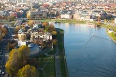Vue aérienne du fleuve Vistule au centre de la ville historique Images stock