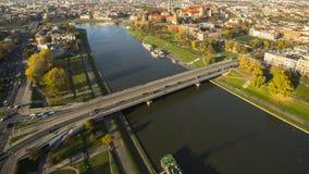 Vue aérienne du fleuve Vistule au centre de la ville historique Image stock