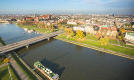 Vue aérienne du fleuve Vistule au centre de la ville historique La Vistule est la plus longue rivière en Pologne Images libres de droits