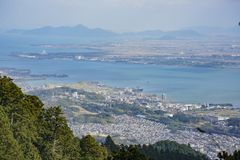 Vue aérienne du lac Biwa et du paysage urbain image libre de droits