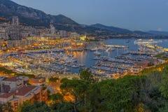Vue aérienne du Monaco juste après le coucher du soleil Image stock