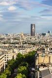 Vue aérienne du paysage urbain de Paris avec la tour et le Les I de Montparnasse Images stock