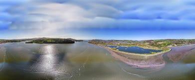 Vue aérienne du secteur de réserve naturelle de Conwy RSPB au Pays de Galles du nord image stock