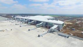 Vue aérienne du terminal d'aéroport international moderne Déplacement autour du monde Antenne vide d'aéroport Vue de Photographie stock libre de droits