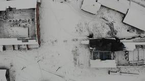 Vue aérienne du vieux sel actif faisant l'usine dans Drohobych Usine abandonnée de sel Lisse élevez-vous, 4k banque de vidéos