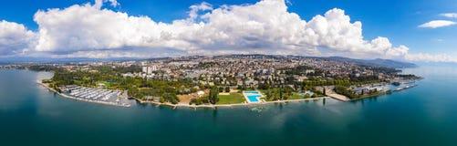 Vue aérienne panoramique de bord de mer d'Ouchy à Lausanne Suisse images stock
