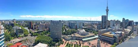Vue aérienne panoramique de district des affaires de central de ville d'Auckland image libre de droits
