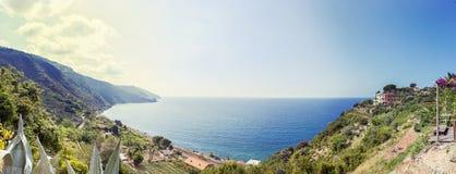 Vue aérienne panoramique de la côte ligurienne photo libre de droits