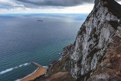 Vue aérienne sur la mer Méditerranée du rocher de Gibraltar image libre de droits