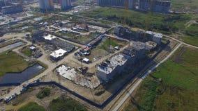 Vue aérienne sur le bâtiment de construction Travailleurs de chantier de construction, antenne, vue supérieure Vue aérienne de ch Photographie stock