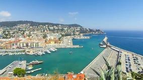 Vue aérienne sur le port de la Côte d'Azur agréable et, France clips vidéos