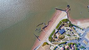 Vue aérienne sur le serpent géant d'océan dans des goupilles de Brevin Les de saint Image libre de droits