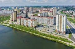Vue aérienne sur le voisinage de Tura Tyumen Russie Image stock