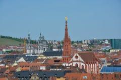 Vue aérienne sur Wurtzbourg avec la chapelle de Marien un jour ensoleillé Images libres de droits