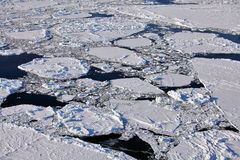Vue aérienne d'océan arctique congelé Photo stock