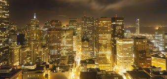 Vue aérienne de San Francisco par nuit Photos stock