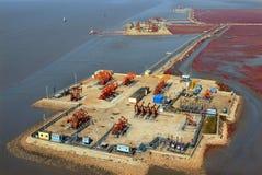 Vue aérienne des pompes à huile. Photo libre de droits