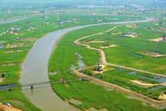Vue aérienne des pompes à huile. Images stock