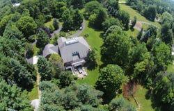 Vue aérienne à la maison de campagne Image libre de droits