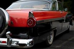 Vue arrière d'une voiture américaine classique des années '50 photographie stock