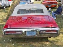 Vue arrière de Buick Skylark de 1972 rouges Photographie stock libre de droits