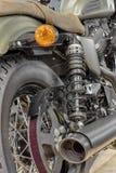Vue arrière de nouvelle moto, modèle olive d'or Photos stock