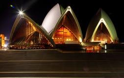 Vue arrière de théatre de l'$opéra de Sydney Image libre de droits