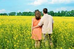 Vue arrière des couples amoureux Images stock