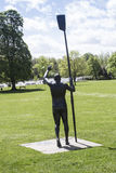 Vue arrière Sir Steve Redgrave Statue en parc Marlow de Higginson Photos stock