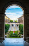 Vue artistique de cour de l'hôtel Dieu à Paris près de Notre-Dame Images libres de droits