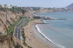 Vue au costline de Lima de mer de Miraflores photos libres de droits