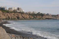Vue au costline de Lima de mer de Miraflores photographie stock