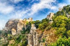 Vue au-dessus de château médiéval de Vénus dans Erice, Sicile Image stock