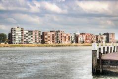 Vue au-dessus de la rivière de Maas dans Dordrecht, Pays-Bas Photographie stock