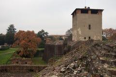 Vue au-dessus de la tour médiévale de la forteresse de Medici de Santa Barbara Pistoie tuscany l'Italie image libre de droits