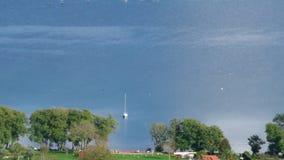 Vue au-dessus de lac Bracciano clips vidéos