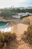Vue au-dessus de plage de Benagil dans la côte Portugal d'Algarve Images libres de droits