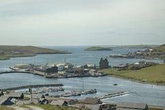 Vue au-dessus de Scalloway, Îles Shetland, Ecosse Photo libre de droits