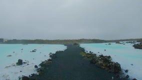 Vue au-dessus de source chaude thermale Islande de lagune bleue clips vidéos