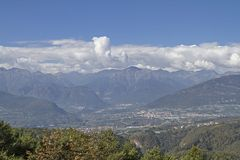Vue au-dessus de Val di Non images libres de droits